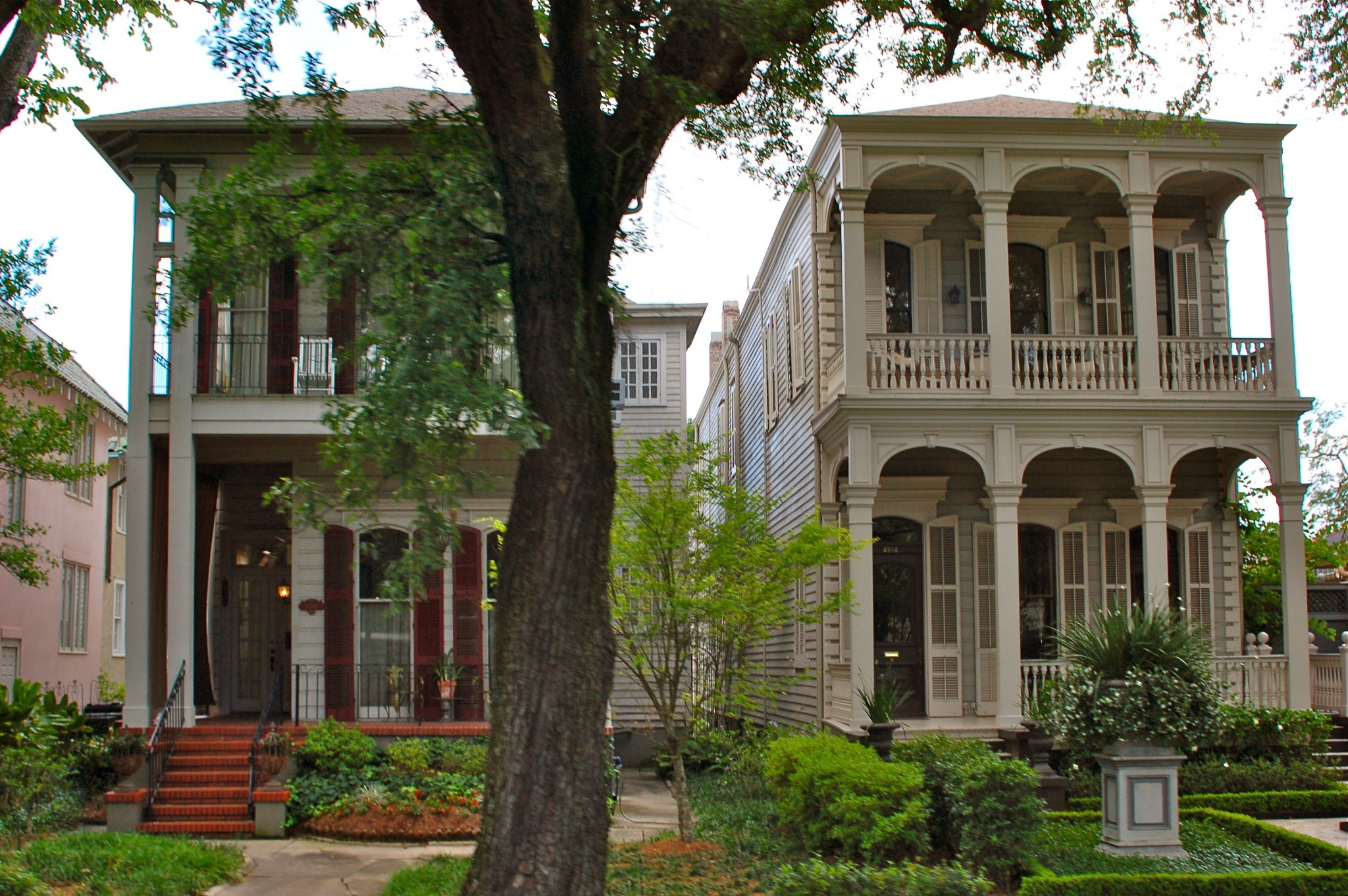 The Garden District New Orleans Easy Travel Guide