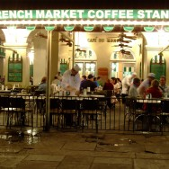 CAFE du Monde at night